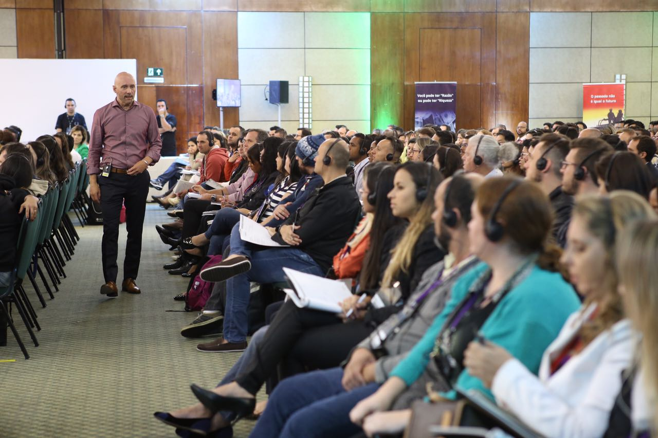 faça novos contatos no Millionaire Mind Intensive 2017 Brasil