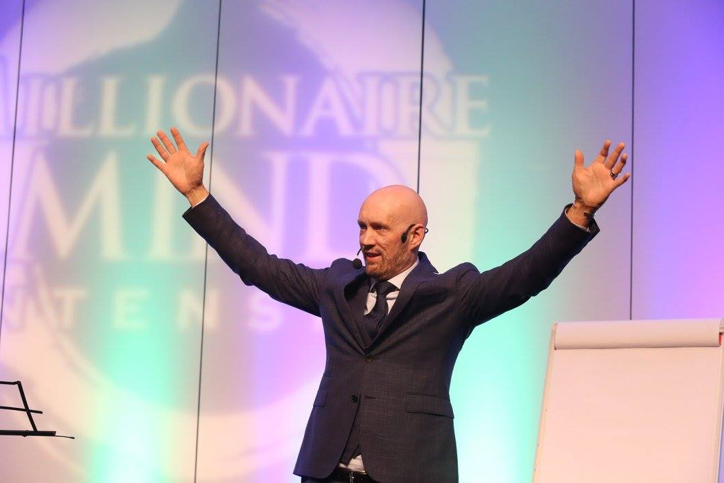 Doug Nelson treinador do Millionaire Mind Intensive